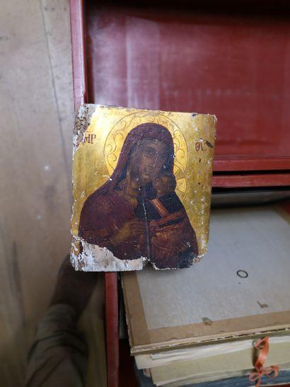 RUSSIAN School  Virgin and Child  Icon.  26,5...