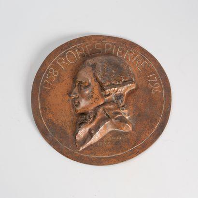 D'après David d'Angers  Médaillon en bronze...