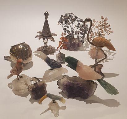 Lot d'oiseaux en pierres dures.