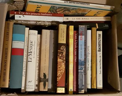Set of art and history books