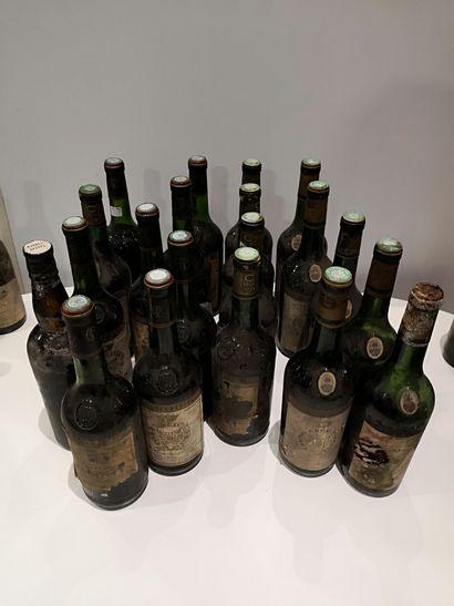 20 bouteilles diverses