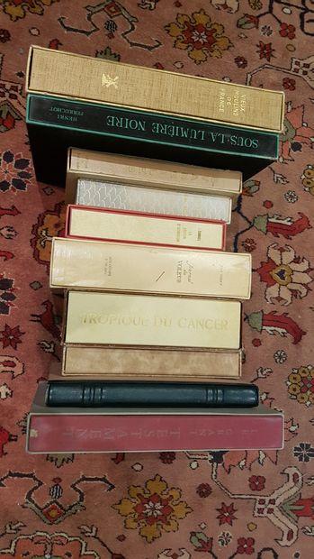 Lot de 10 volumes illustrés modernes: -Visage...