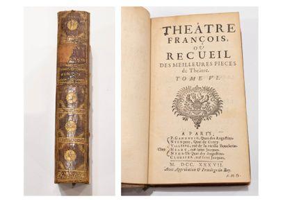 Le Théâtre Français  12 volumes.