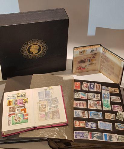 Albums de timbres occidentaux et sud amé...