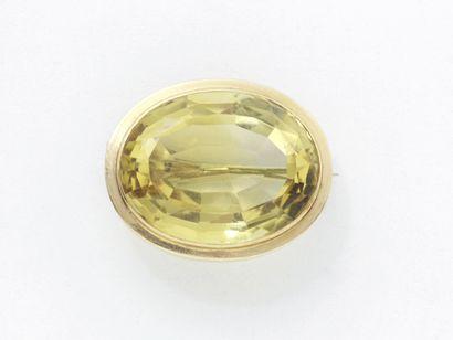Broche en or 750 millièmes ornée d'une citrine...