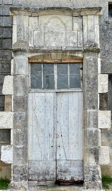 Encadrement de porte Louis XIV.  Important...