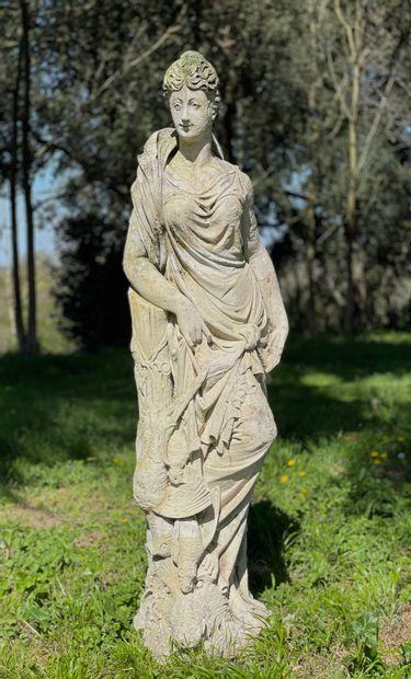 Diane chasseresse.  Importante statue en...