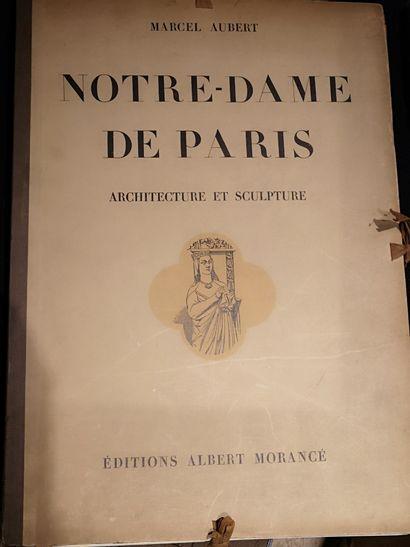 Ensemble de 67 planches sur Notre Dame par...