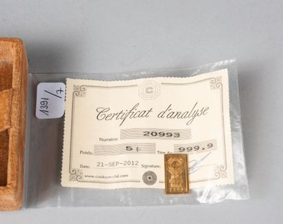 Lingotin en or.  Poids: 5 g  (Certificat d'analyse 20993)