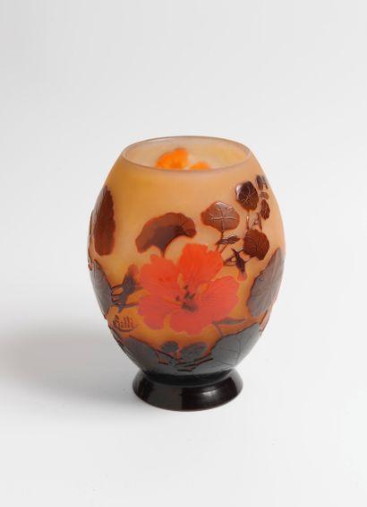 Etablissements GALLÉ  Vase ovoïde en verre...