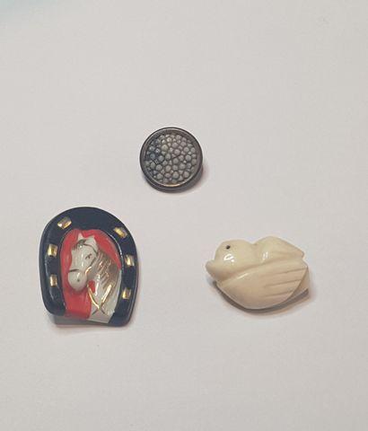 Boutons en ivoire collection d'Elsa SCHIAPARELLI...