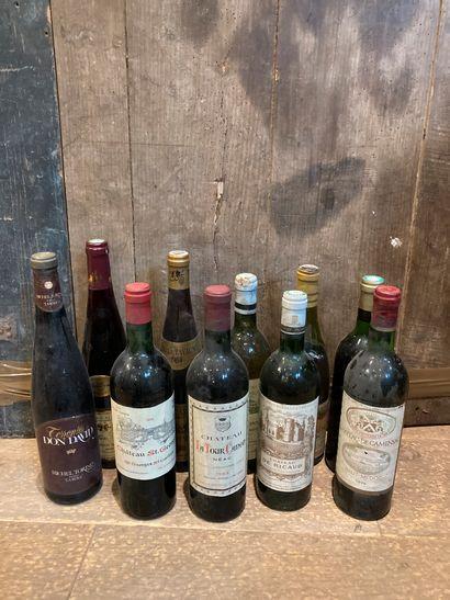 Un lot de bouteilles de vin dont :  -Labégorce-Lédé,...