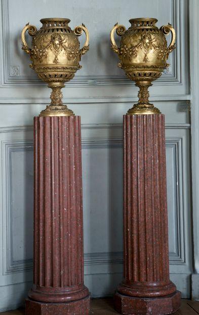 Paire de colonnes style Louis 16  Le fût...