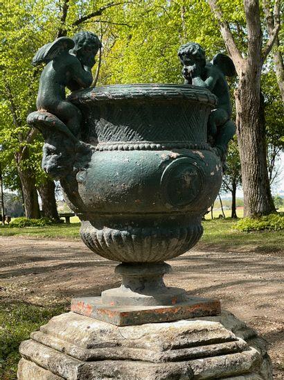 Paire de vases style Renaissance  D'après le modèle de Claude BALLIN ( 1661-1754...