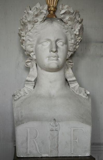 Marianne de France  Buste à l'image du symbole...