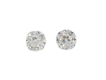 Lot composé d'un appairage de 2 diamants coussin de taille ancienne sur papier....