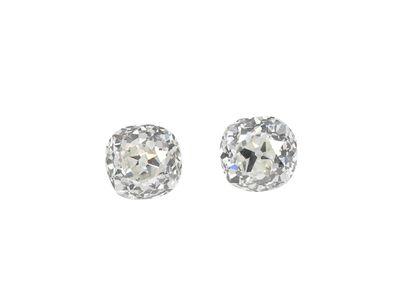 Lot composé d'un appairage de 2 diamants...