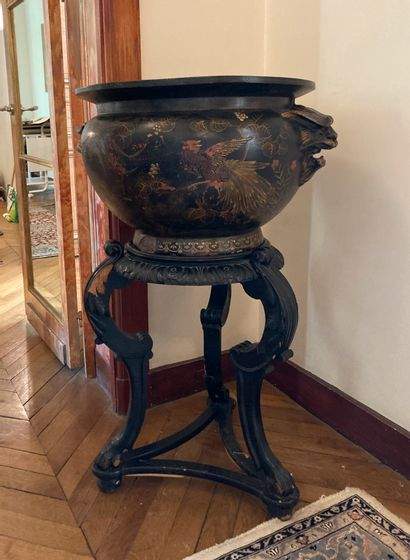 Travail français vers 1870  Vase en terre...