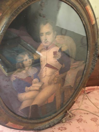 Une gravure Napoléon, cadre ovale, H : 45...
