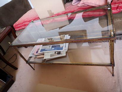 Table basse à deux plateau en verre montant...