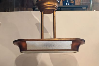 Plafonnier en cuivre et verre de style Art...