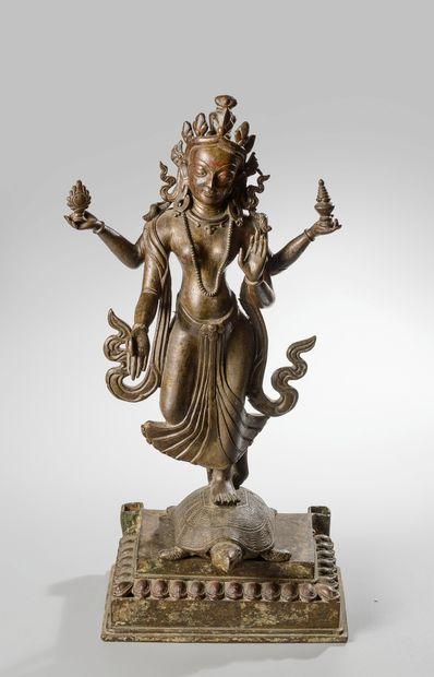 NEPAL, fin XIXème siècle. Sculpture d'une...