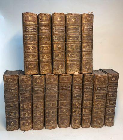 Lot de quatorze volumes dont Histoire ancienne...