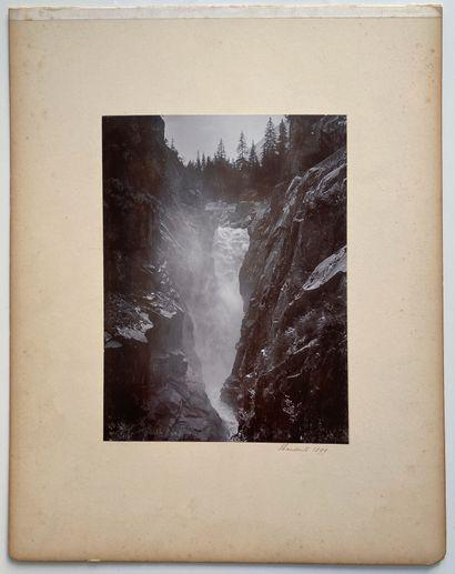 """MONTAGNE - SUISSE Sans Prix de réserve -  """"Panorama de Murren"""" ; Cascade, 1899.  Photographies...."""