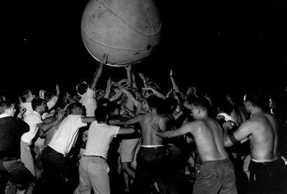 """ROBERT PHILLIPS Sans Prix de réserve -  """"Hazing at Georgetown University"""", 1959...."""