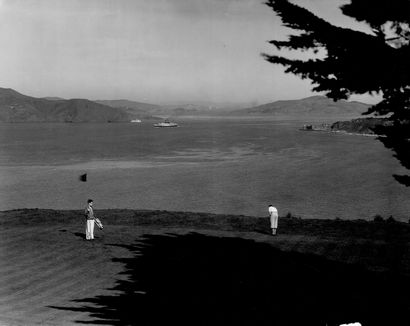 GOLF Sans Prix de réserve -  Joueurs de Golf dans la baie de San Francisco au Golden...