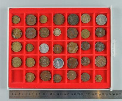 Franc-Maçonnerie. Lot de 34 médailles et...
