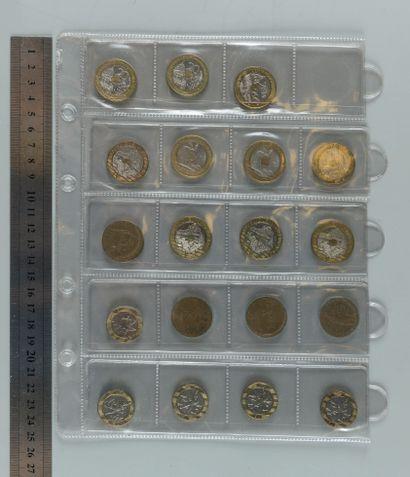 Classeur de 79 Monnaies françaises de la...