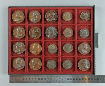 Restauration, Louis XVIII. Lot de 20 médailles en bronze