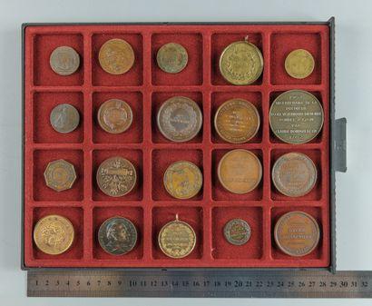 Enseignement et divers. Lot de 20 médailles...