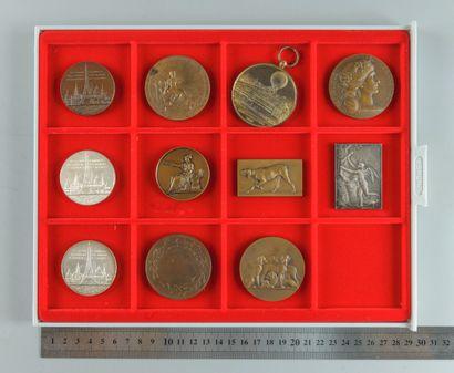 IIIe république. Lot de 11 médailles var...