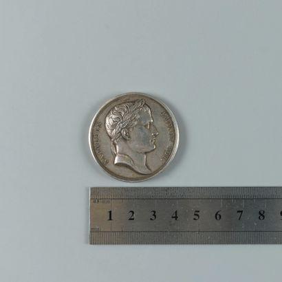 Premier empire. Médaille en argent, monument...
