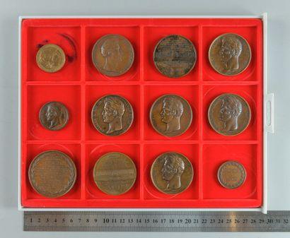 Restauration, Charles X. Lot de 12 médailles...