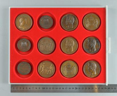 Restauration, Charles X. Lot de 12 médailles en bronze