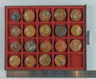 Napoléon Ier/Premier empire. Lot de 19 médailles...
