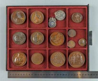 Napoléon III-Second Empire. Lot de 15 médailles...