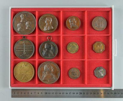 Révolution et Consulat. Lot de 12 médailles...