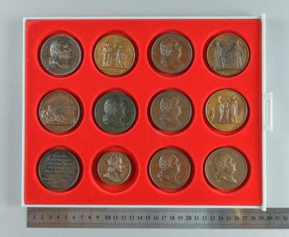 Restauration, Louis XVIII. Lot de 12 médailles en bronze
