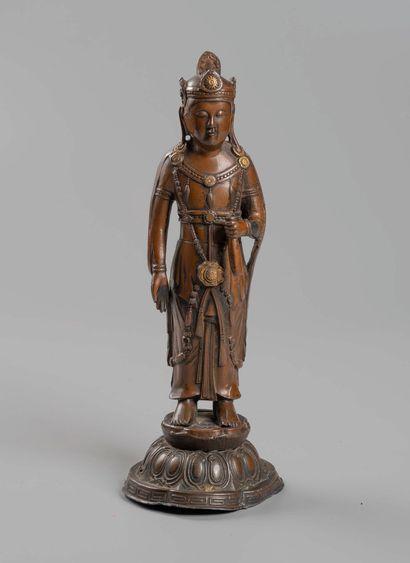 COREE  Dinivité.  Bronze  Haut 19 cm.  (...