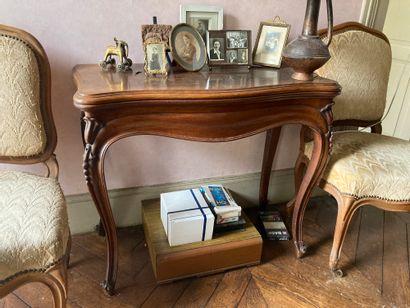 Table à jeux de style Louis XV  Epoque XIXe...