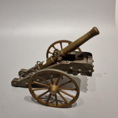20223  Canon miniature.  Bronze.  (à remonter,...