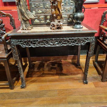Table en bois teinté, dessus de marbre Vietnam...