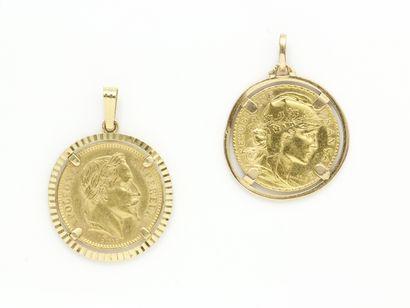 Lot en or 750 millièmes composé de 2 pendentifs...