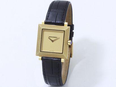 BOUCHERON  Montre bracelet d'homme en or...