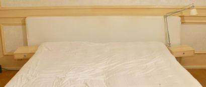 Bois de lit et literie articulée mécaniquement;...