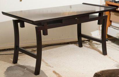 Table bureau rectangulaire en bois noir patiné...